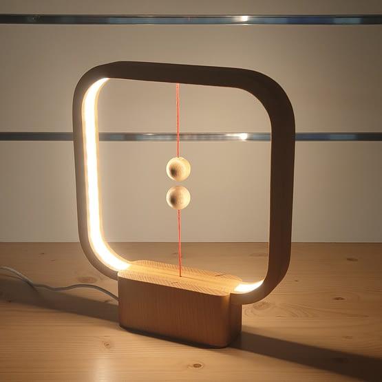Lampe heng en bois
